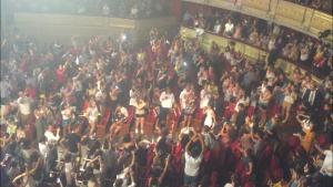 """El Teatro Real durante la actuación de """"Vas a quedarte""""/ Andrea Fernández"""
