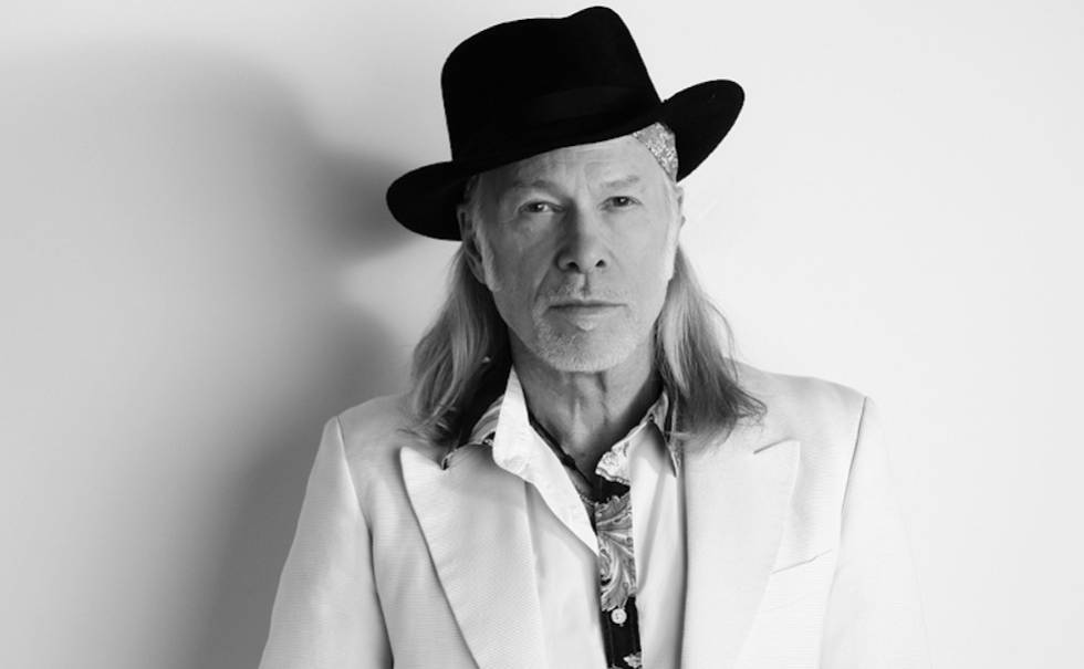 "Elliott Murphy launches his latest novel ""Diamonds By The Yard"""